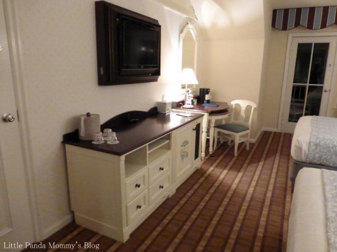 Walt Disney World Beach Club Resort - Wood view room